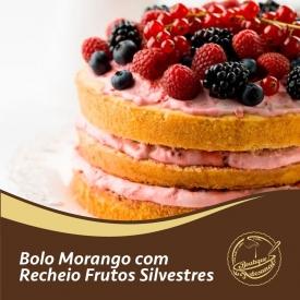 Bolo de morango com recheio de frutos silvestres 🍓  Preparado 500gr: 👉 https://boutiqueartesanal.pt/preparados-para-bolos/178-soft-morango-05-kg.html  Recheio 300gr: 👉 https://boutiqueartesanal.pt/recheios-e-coberturas/419-recheio-de-frutos-silvestres-300-gr.html  Saiba tudo na nossa loja on-line: 👉 https://boutiqueartesanal.pt/