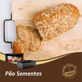 Pão de sementes 🍞  Farinha escura: 👉 https://boutiqueartesanal.pt/cremes-e-farinhas-em-po/3701-farinha-escura-p-pao-c-7-cereais-1kg.html  Forma 30cm: 👉 https://boutiqueartesanal.pt/formas-e-aros/2196-forma-pao-de-forma-30cm.html  Forma 30x11cm: 👉 https://boutiqueartesanal.pt/formas-e-aros/1416-base-lisa-redonda-ouro-24cm.html  Levedura em pó: 👉 https://boutiqueartesanal.pt/especiarias-e-ingredientes-/198-levedura-em-po-80gr.html  Saiba tudo na nossa loja on-line: 👉 https://boutiqueartesanal.pt/