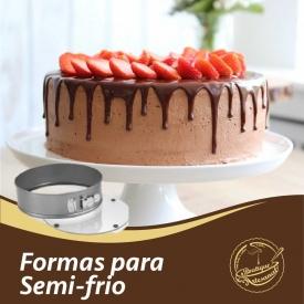 Formas para semi-frio   20cm: 👉 https://boutiqueartesanal.pt/formas-e-aros/4566-forma-bolo-desm-c-fundo-de-vidro.html  24cm: 👉 https://boutiqueartesanal.pt/formas-e-aros/4567-forma-bolo-desm-c-fundo-de-vidro.html  Saiba tudo na nossa loja on-line: 👉 https://boutiqueartesanal.pt/